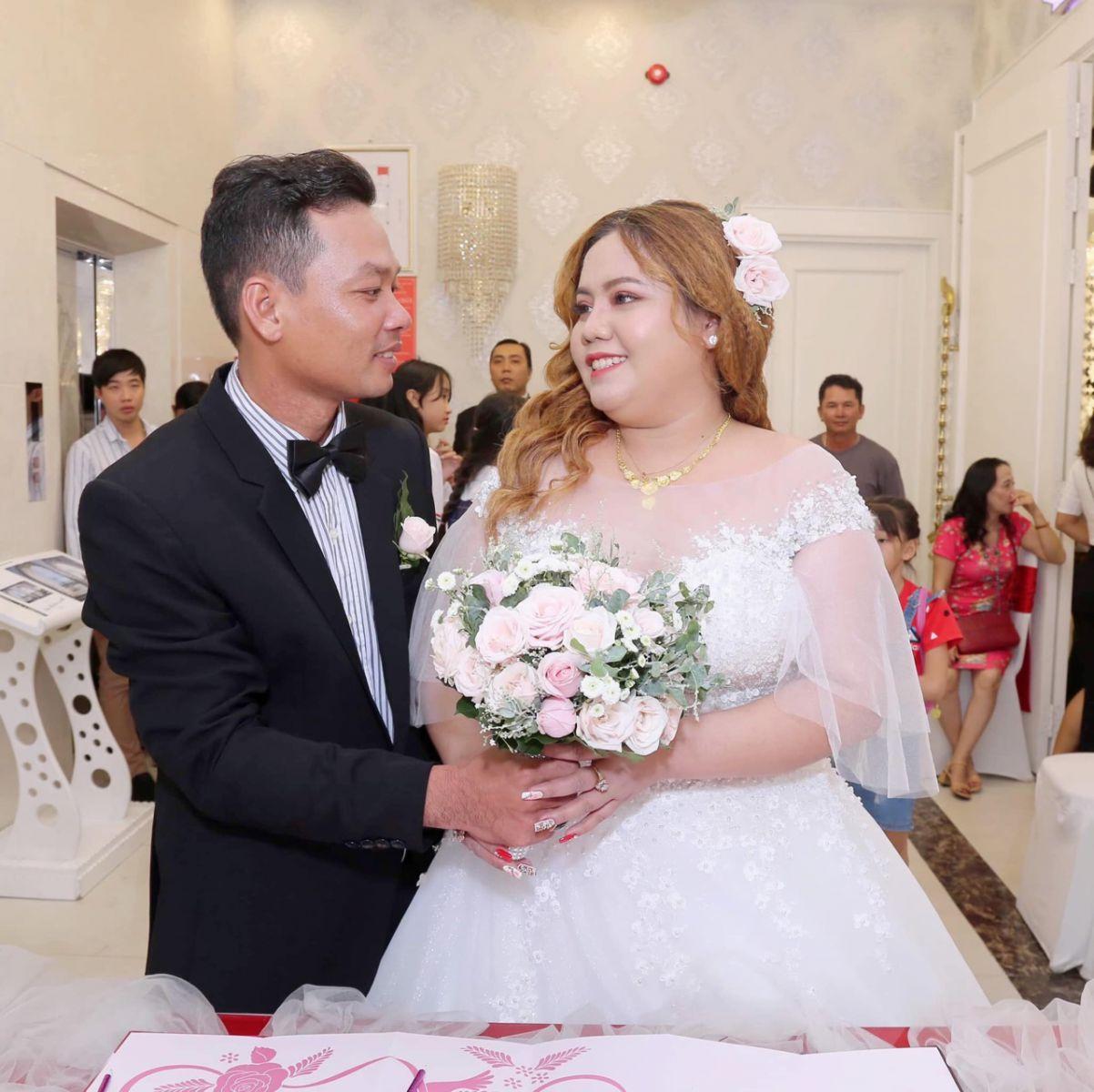 áo cưới big size cho cô dâu nặng cân